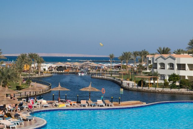 Готель Dana Beach Resort 5 *