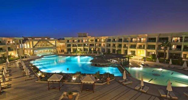 Готель Hilton Resort Front 5 *